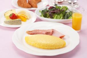 洋風の朝食の写真素材 [FYI01664474]