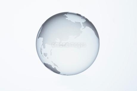 ガラスの地球儀の写真素材 [FYI01665136]