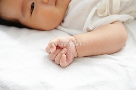 新生児の写真素材 [FYI01665144]