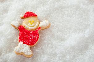 サンタクロースのアイシングクッキーの写真素材 [FYI01666122]