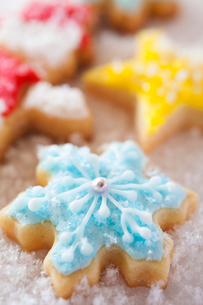 雪の結晶のアイシングクッキーの写真素材 [FYI01666124]