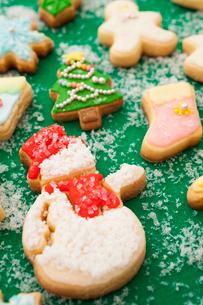 雪だるまのアイシングクッキーの写真素材 [FYI01666141]