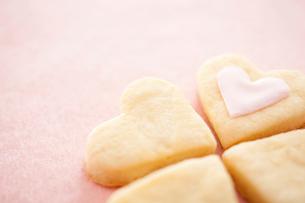 ハート型のクッキーの写真素材 [FYI01666152]