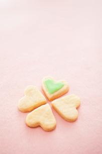 ハート型のクッキーの写真素材 [FYI01666157]
