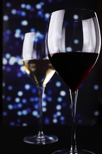 夜景とワインの写真素材 [FYI01666537]