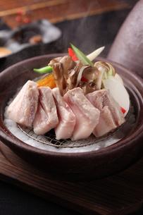 豚肉と野菜のタジン蒸しの写真素材 [FYI01666567]