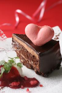 バレンタインのチョコレートケーキの写真素材 [FYI01666656]