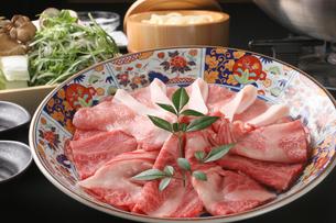 豚肉と牛肉のしゃぶしゃぶの写真素材 [FYI01666758]