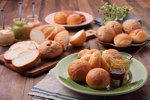 パンとジャムの集合の写真素材 [FYI01667088]