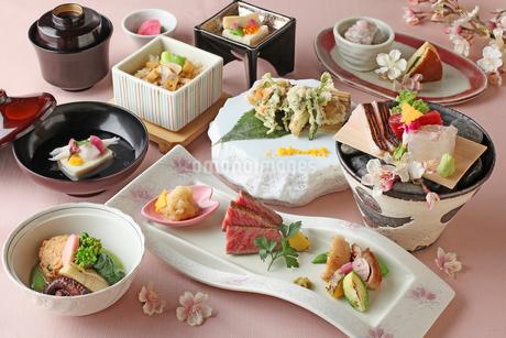 """桜""懐石料理の写真素材 [FYI01667617]"