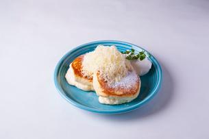 ふわふわバターのパンケーキの写真素材 [FYI01667862]