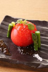 トマトとアスパラの冷製の写真素材 [FYI01667969]