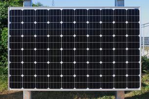 北新潟太陽光発電所,太陽電池パネルの写真素材 [FYI01668128]