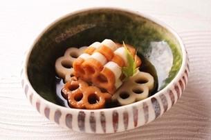 れんこん煮物の写真素材 [FYI01668167]
