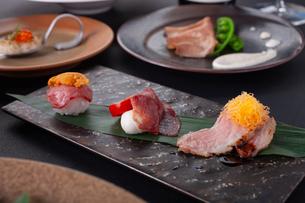 肉寿司の写真素材 [FYI01668445]