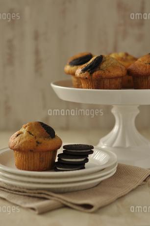 マフィンとクッキーの写真素材 [FYI01668655]