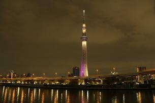 東京スカイツリーライトアップ雅の写真素材 [FYI01668971]
