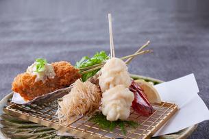 天ぷら盛り合わせの写真素材 [FYI01669136]