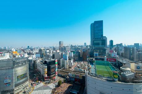 渋谷ヒカリエと渋谷駅周辺の写真素材 [FYI01669165]