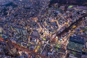 渋谷夜景,空撮の写真素材 [FYI01669628]
