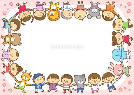 輪になっている子供と動物たちのフレームのイラスト素材 [FYI01669663]