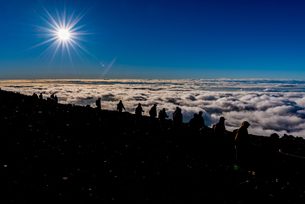 富士山頂からの風景の写真素材 [FYI01669836]