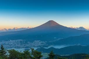 夏の富士山の写真素材 [FYI01669976]