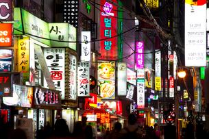 ソウルの夜景の写真素材 [FYI01670419]