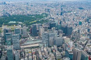 東京駅周辺の空撮の写真素材 [FYI01670423]
