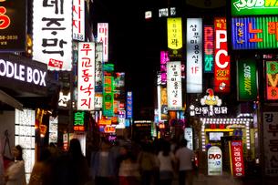 ソウルの夜景の写真素材 [FYI01670468]