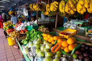 コタキナバルの中央市場の写真素材 [FYI01670563]