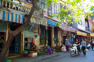 ハノイの旧市街の写真素材 [FYI01671384]