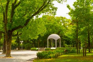 平和記念公園の平和の鐘の写真素材 [FYI01671460]