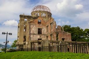 広島の原爆ドームの写真素材 [FYI01671707]
