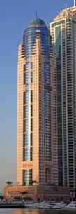 ドバイの超高層ビル Emirates Marina Serviced Apartments & Spaの写真素材 [FYI01672131]