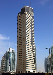 ドバイの超高層ビル(Dusit Residence Dubai Marina)の写真素材 [FYI01672163]