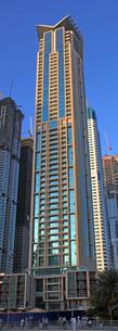 ドバイの超高層ビル(Marina Heights Tower)の写真素材 [FYI01672184]