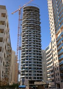 ドバイの超高層ビル(Orra Marina Tower)の写真素材 [FYI01672246]