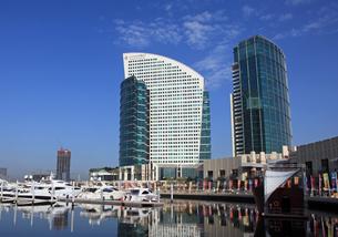 Inter Continental Hotel(左)&Festival Tower(右)の写真素材 [FYI01672258]