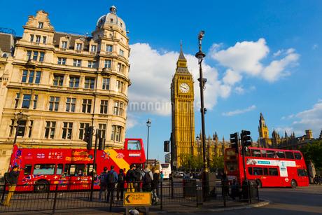 ロンドンの風景とダブルデッカーの写真素材 [FYI01672306]