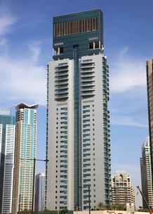 ドバイの超高層ビル(Marina Terrace)の写真素材 [FYI01672594]