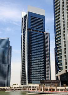 ドバイの超高層ビル(Goldcrest Views 1)の写真素材 [FYI01672597]