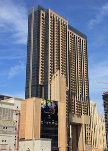 ドバイの超高層ビル(The Address Dubai Marina)の写真素材 [FYI01672997]