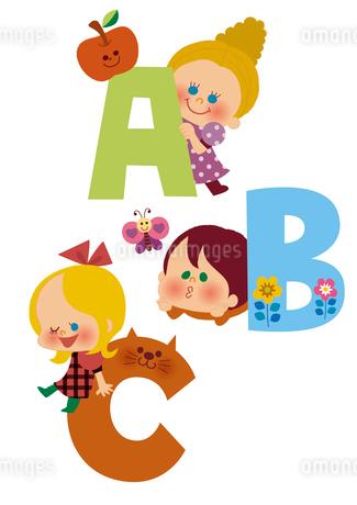 アルファベットABCと子供たちのイラスト素材 [FYI01673121]