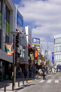東急東横線自由が丘駅正面口駅前の写真素材 [FYI01674028]