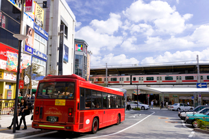 東急東横線自由が丘駅正面口駅前の写真素材 [FYI01674224]