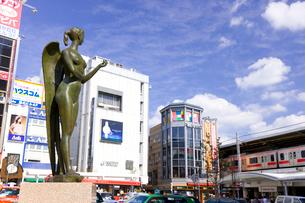 東急東横線自由が丘駅正面口駅前の写真素材 [FYI01674225]