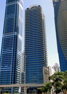 ドバイの超高層ビル(Falcon Tower)の写真素材 [FYI01674345]