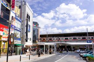 東急東横線自由が丘駅正面口駅前の写真素材 [FYI01674496]