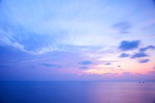 東シナ海の夕景の写真素材 [FYI01674760]